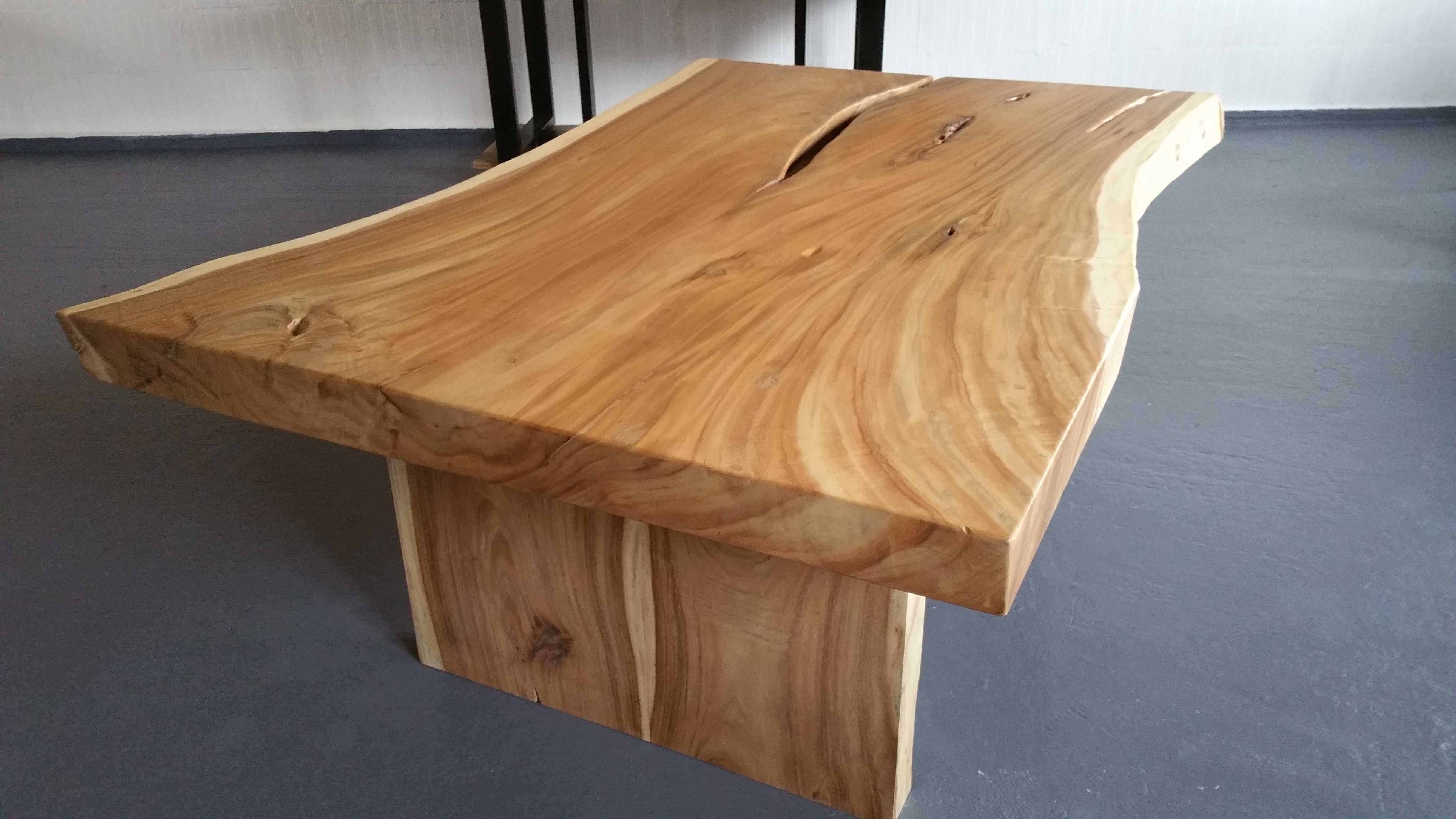 table bois de suar. Black Bedroom Furniture Sets. Home Design Ideas