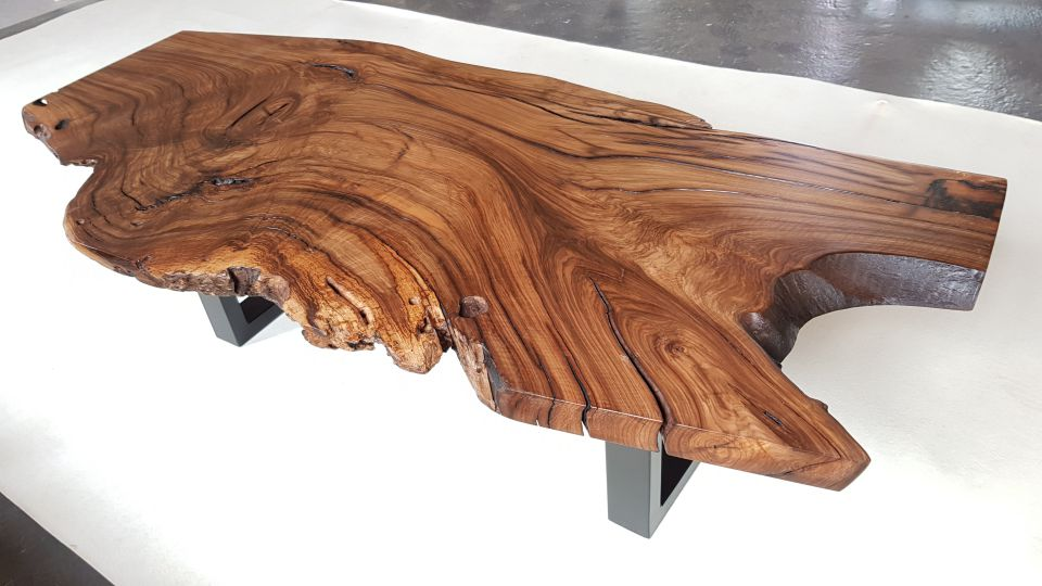 Table basse liveedge noyer massif
